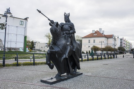 Equestrian statue of Casimir IV Jagiellon (Kazimierz IV Jagiellonczyk), Grand Duke of Lithuania and King of Poland. Malbork, Poland 版權商用圖片