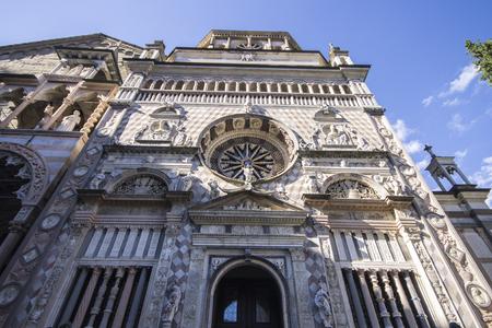 Monumentos de la Citta Alta (ciudad superior) de Bérgamo, Italia. el Duomo (catedral), la Basílica di Santa Maria Maggiore y la Capilla Colleoni (capilla Colleoni)