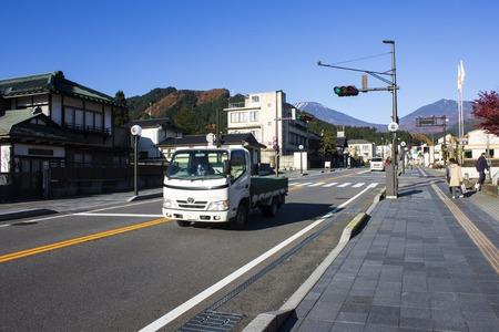 神宮や仏教寺院で有名な日本の北関東地方に位置する栃木県の日光市の街並み 報道画像