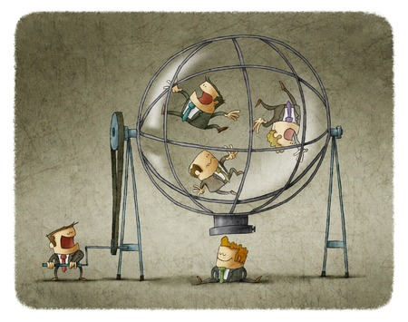 Directeur zakenlieden in transparante bol te draaien terwijl het kiezen van een van hen
