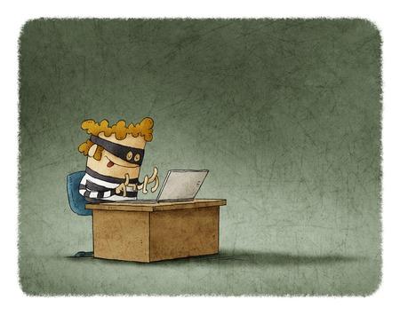 Dief met masker zit en typen op een laptop Stockfoto