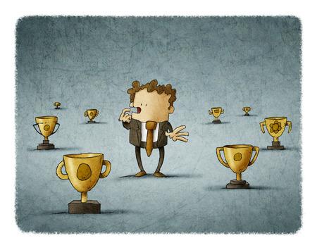 Hombre de negocios rodeado de trofeos pensar sobre qué elegir Foto de archivo - 83364180