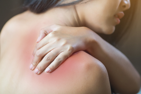 shoulder pain women