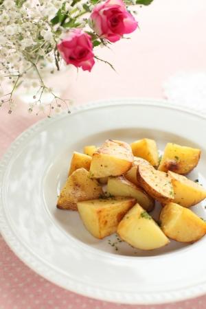 sautee: patate e erba saltata Archivio Fotografico