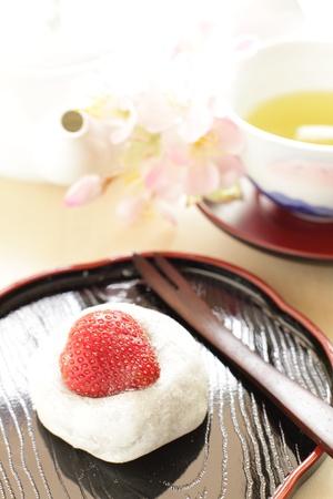和菓子、いちご大福、緑茶