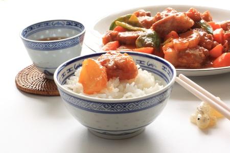 쌀에 야채와 함께 중국 요리, 달콤한 신맛 갈비 스톡 콘텐츠