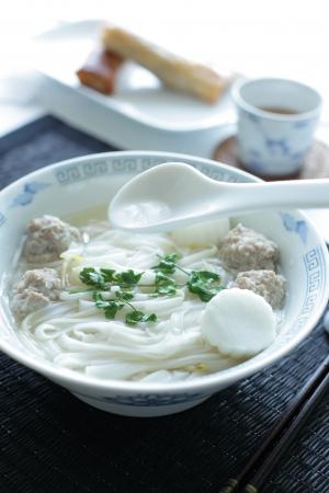 베트남 요리, 생선 구이, 쌀 국수 포