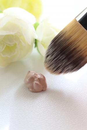 化粧品の基礎、BB クリームのクローズ アップの美しさの画像