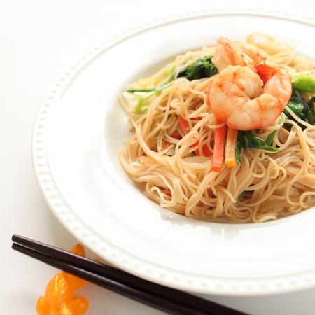 海老と野菜の炒めビーフン