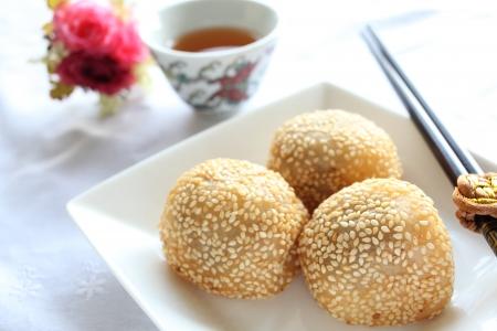 Chinese dim sum, deep fried Sesame Seed Balls 版權商用圖片 - 22499789