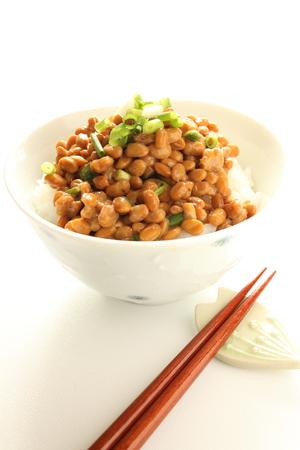 Japanisches Essen, Natto und Reis Standard-Bild - 23128023