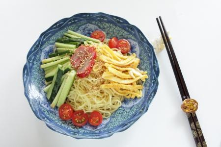 中華料理、冷麺します。