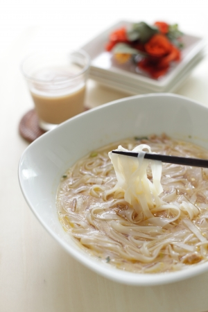 vietnamese food: Vietnamese food, rice noodles