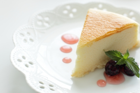Cheese cake and berry sauce