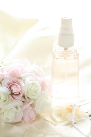 スプレー、化粧品の顔の画像の花のボトル