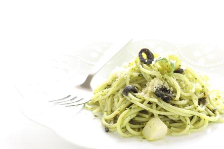 comida italiana: Comida italiana, spaghetti pasta al pesto Foto de archivo