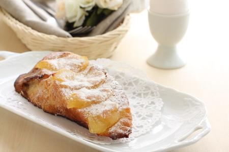 sliced apple: Sliced apple on French toast