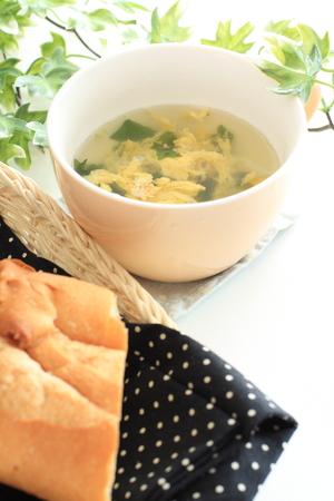 frans brood: Frans brood en soep Stockfoto