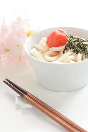 japenese: Cocina japonesa, mentaiko y algas en los fideos udon, Foto de archivo