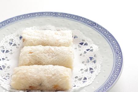 spring roll: cibo cinese, rotolo di pesce bianco di primavera Archivio Fotografico