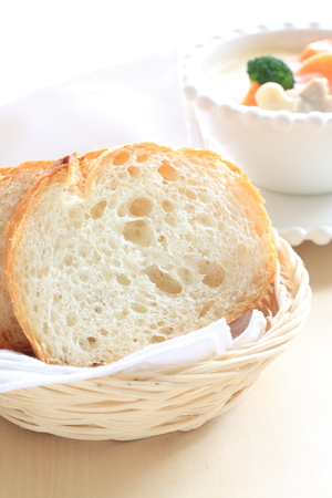 frans brood: sliced french bread and chicken stew