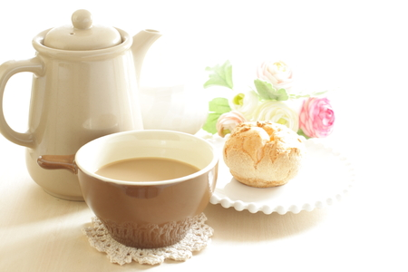 cafe latte: cafe latte and puff cream