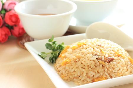 Chinees eten, ei en varkensvlees gebakken rijst Stockfoto