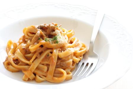 pasta: Cocina italiana fettuccine salsa de carne Foto de archivo