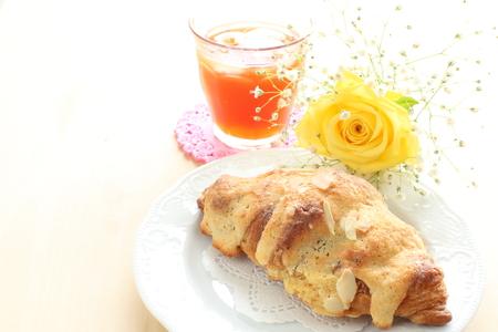 t� helado: croissant y t� helado