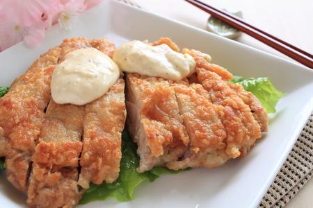 Japanese food deep fried chicken with tartar sauce