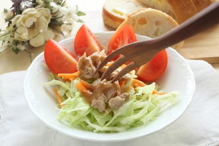 tuna salad: homemade tomato and tuna salad