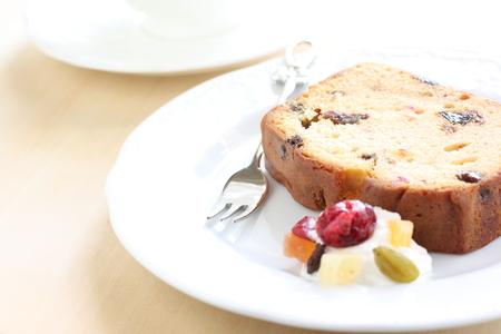 pound cake: pound cake and tea