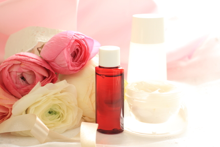 保湿剤と花