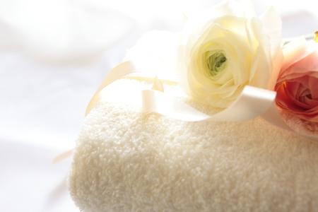 copys pace: Ranunculus and towel