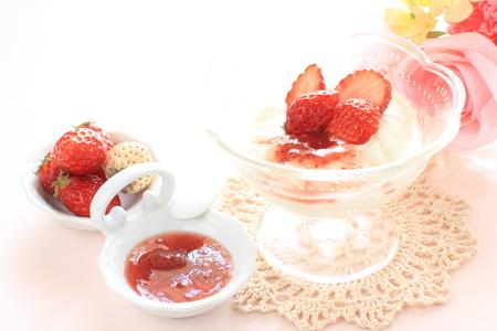 the freshness: Freshness Japanese strawberry and yogurt