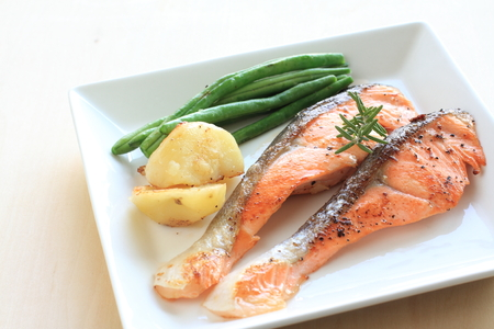 pan fried: Pan fried Salmon and vegetable