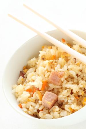 chinesisch essen: Asian Food, Mittagessen Fleisch und Ei gebratener Reis