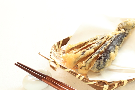 berenjena: Berenjena tempura, comida japonesa Foto de archivo