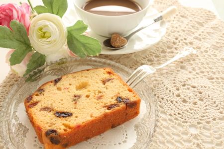 pound cake: dried fruit pound cake and tea Stock Photo