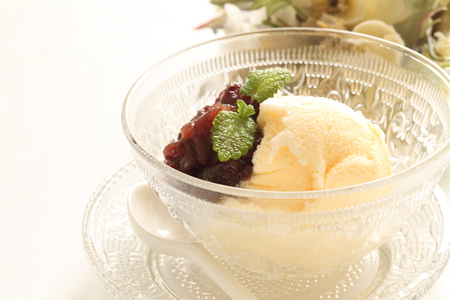 paste: Vanilla ice crea with Azuki bean paste