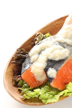 frescura: Pescados de color salmón frescura con el japonés Koji condimentos