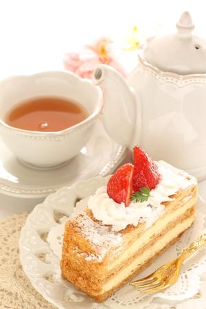 フランス菓子、ミルフィーユと紅茶