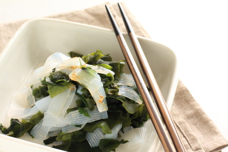 konjac and wakame salad