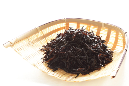 algas marinas: ingrediente de comida japonesa, Hijiki