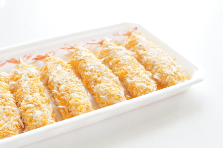 alimentos congelados: Japanese frozen food, shrimp cutlet on food tray Foto de archivo