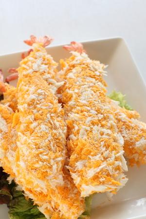 alimentos congelados: cerca de pescados congelados japonesa, gamba frita