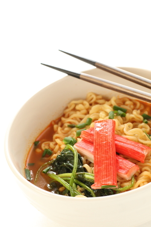 the instant noodles: Kamaboko and instant noodles