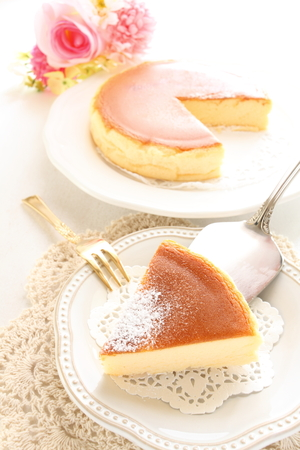 baked cheese cake and tea