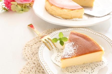 구운 치즈 케이크와 차 스톡 콘텐츠