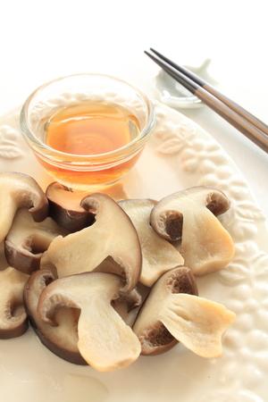 dashi: steamed Japanese mushroom